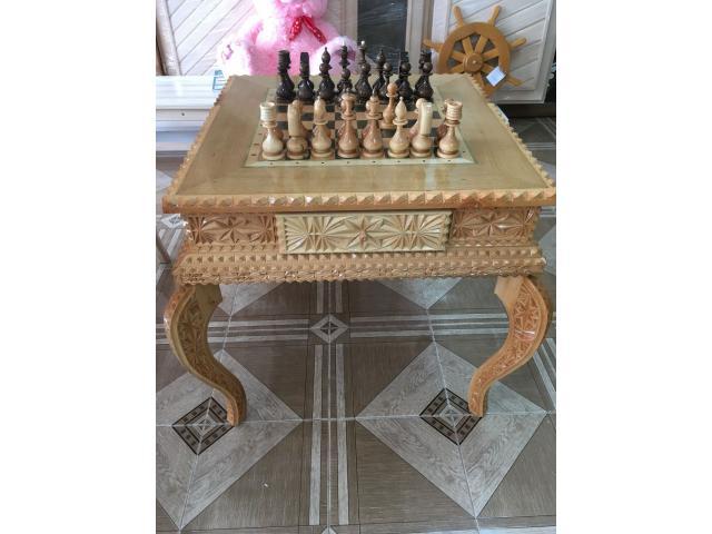 Столик шахматный резной ручной работы. - 1